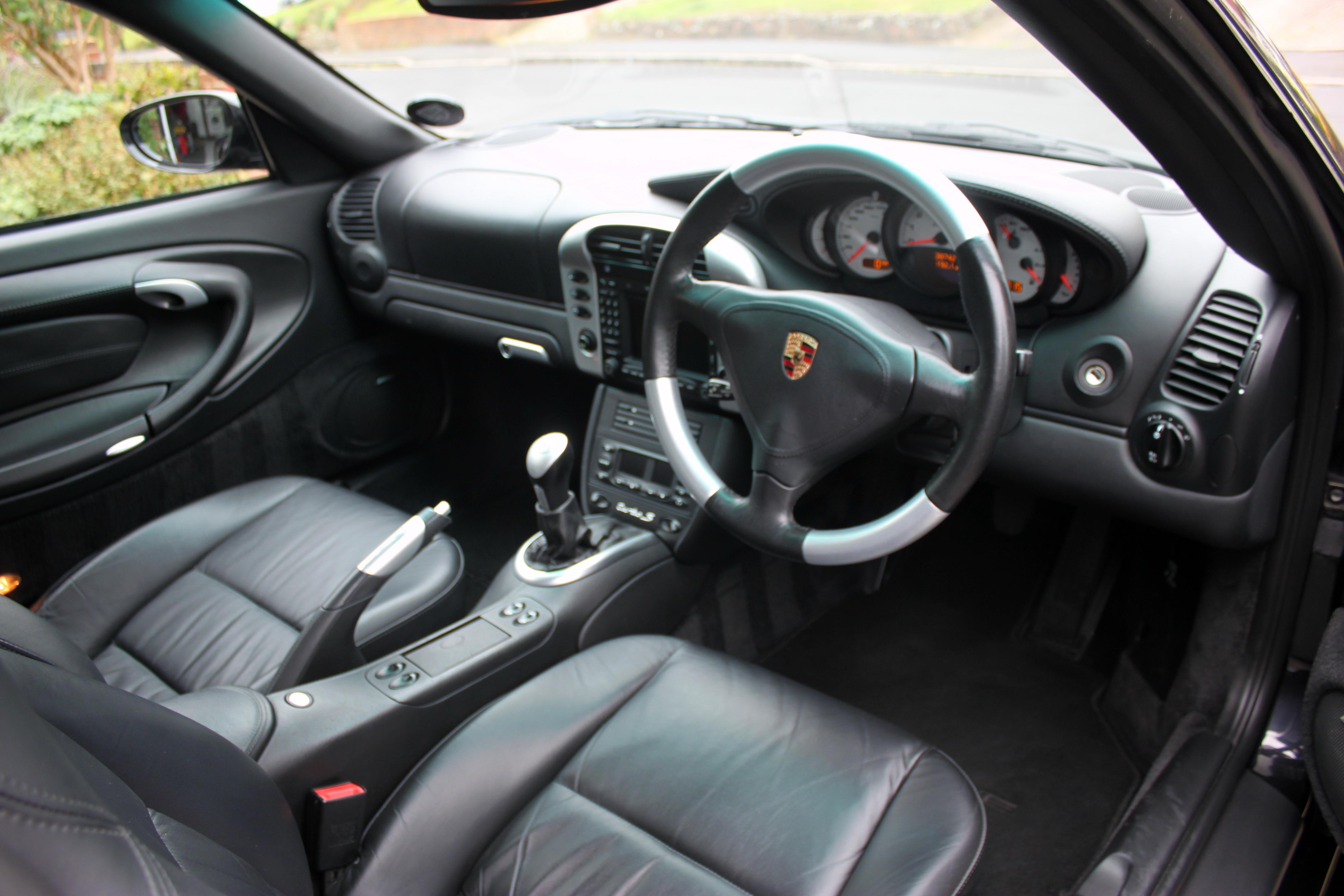 Porsche 996 Turbo S interior
